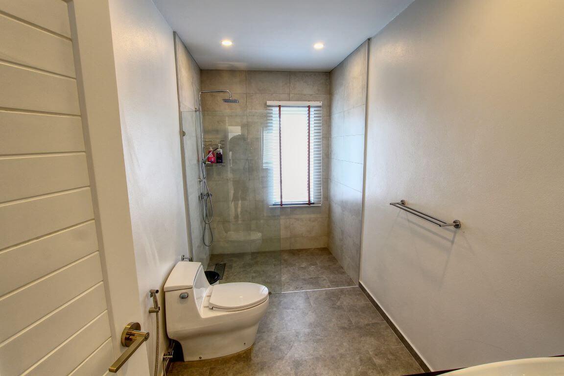 Baan Suan Guest Toilet