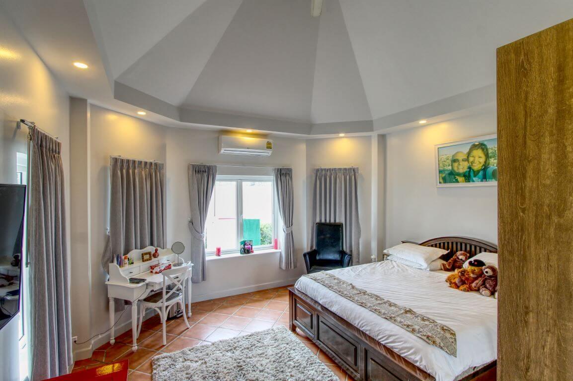 Baan Suan Master Bedroom